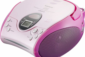 Retro Boombox Portable CD Cassette player with Radio - Red